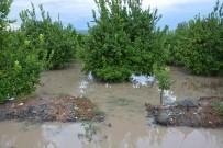YAĞMURLU - Ortaca'da Şiddetli Yağış Hayatı Olumsuz Etkiledi