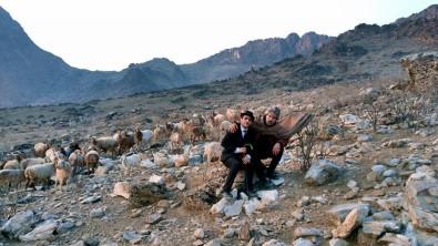 (ÖZEL) Afgan Charlie Chaplin, Halka Savaşı Unutturuyor