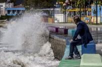 ALTıNOLUK - Tropikal Fırtına Kuzey Ege'de Etkili Oluyor