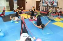 ADEM MURAT YÜCEL - Alanya Belediyesi'nin Spor Merkezine Yoğun İlgi