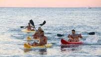 SU SPORLARI - Arsuz'da DOĞAKA Projesiyle Tatilcilere Su Sporları Kursu