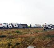 VİRANŞEHİR - Kızıltepe'de Demir Yüklü Tır Devrildi Açıklaması 1 Ölü
