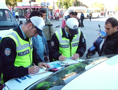 Araçla makas atanlara 1002 lira ceza