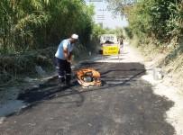 BALCı - Yunusemre'den 2 Mahallede Asfalt Yama Çalışması