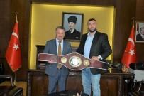 HAMBURG - Avrupa Boks Şampiyonu Vali Yazıcı'yı Ziyaret Etti