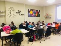 AKıL OYUNLARı - Bilgi Evi Öğrencileri Geleceğe Okuyarak Hazırlanıyor