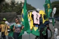 SAO PAULO - Brezilya'daki Cumhurbaşkanlığı Seçimlerinde Irkçı Bolsonaro Liderliğe Koşuyor
