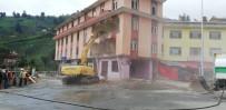 BALCı - Dere Yatağındaki 7 Katlı Binanın Ardından 4 Katlı Bina Da Yıkılıyor