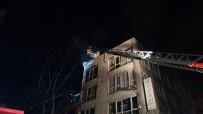 Eminönü'nde İşyerlerinin Bulunduğu Handa Korkutan Yangın