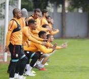 EREN DERDIYOK - Galatasaray, Bursaspor Maçı Hazırlıklarına Devam Etti