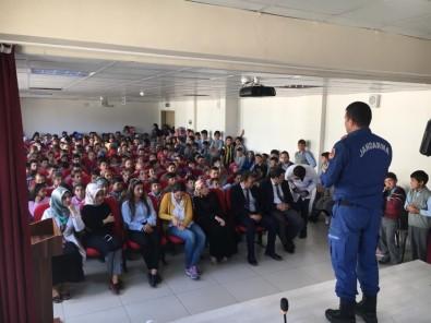 Jandarma'dan Öğrencilere Trafik Eğitimi