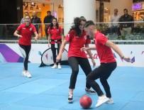 BASKETBOL MAÇI - Kadın Basketbolcular, Samsunsporlu Futbolcuları 5-1 Yendi
