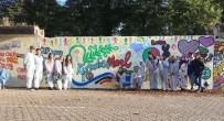 ÇAĞDAŞ YAŞAMı DESTEKLEME DERNEĞI - Kuşadalı Gençler, Marl Ve Kuşadası İçin Barış Güvercini Çizdi