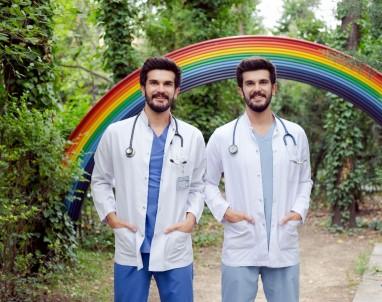 Tek Yumurta İkizi Doktorlar 26 Yıldır Hiç Ayrılmadılar