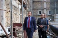 HASSASIYET - Vali Pehlivan Tarihi Askeri Binada Yürütülen Restorasyon Çalışmalarını İnceledi