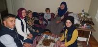 EV TEMİZLİĞİ - Alo Evlat Ekibinden Safiye Anneye Ziyaret