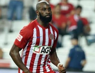 Antalyasporlu Doukara'nın süpermarket reyonundan Süper Lig'e uzanan yolculuğu