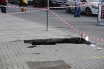 TRAFİK YOĞUNLUĞU - Ataşehir'de Yol Çöktü