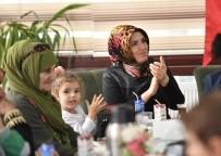 MUSTAFA ZENGİN - Başkan Kılıç, Kadınlarla Buluştu, 3 Müjde Verdi