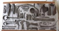 SÜLEYMAN DEMİREL - Çanakkale'de Bin 500 Yıllık Tarım Aletleri Bulundu