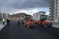 KALDIRIM ÇALIŞMASI - Çünür Yenişehir'de Asfalt Çalışmaları Devam Ediyor