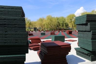 Erzincan Belediyesi Yeni Çocuk Parkları Yapıyor