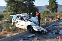 FERIŞTAH - Otomobil Karşı Şeride Uçtu Açıklaması 2 Ölü, 23 Yaralı