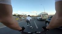 MECIDIYEKÖY - (Özel) 15 Temmuz Şehitler Köprüsü'nde Patenli Ve Bisikletli Gençlerin Ölümüne Yolculuğu Kamerada