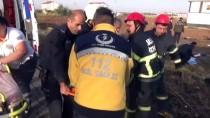 POLİS ARACI - Polis Aracı Otomobille Çarpıştı Açıklaması 5 Yaralı