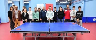 Romanya Masa Tenisi Milli Takımı'ndan Gaziosmanpaşa Belediyesi Spor Kulübü'ne Dostluk Ziyareti