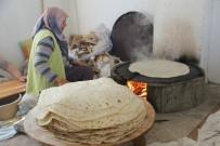 GÖZLEME - Selami Vardar Halk Merkezinde Kadınlara Kendi Ekmeğini Pişirme Fırsatı