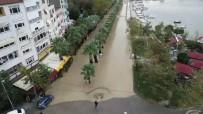 SAHİL YOLU - Silivri'de Sular Altında Kalan Sahil Yolu Havadan Görüntülendi