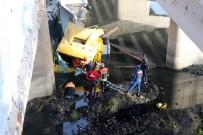 AZERBAYCAN - Zincirleme Kazada Otomobil Ve Tır Kızılırmak'a Düştü