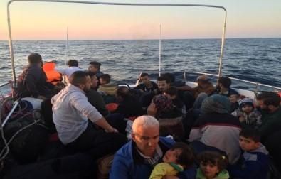 '574 Göçmen Yakalandı, 8 Göçmenin Cansız Bedenine Ulaşıldı'