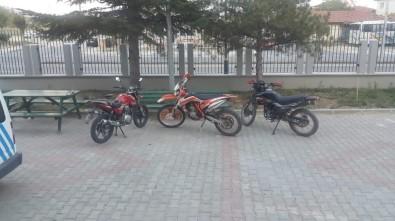 Ankara'dan Çaldığı Motosikletleri Bolvadin'de Satarken Yakalandı
