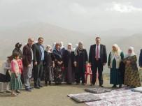 GÜLŞEN ORHAN - Bahçesaray Kaymakamı Sağıroğlu'nun Mahalle Ziyaretleri