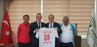 Dünya Kupası Finalistleri Başarılarını Mahmut Şahin İle Paylaştı