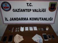 KOKAIN - Jandarma'nın Dur İhtarına Uymayan Araçtan Uyuşturucu Çıktı