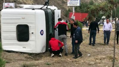 Karabük'te İki Tır Çarpıştı Açıklaması 3 Yaralı