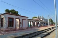 HARABE - Kırkağaç Tren Garında Restorasyon Başladı