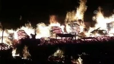 Kocaeli'de Palet İmalathanesinde Yangın