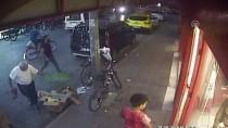 Market Müşterilerinin Bisikletini Çalan Zanlı Kamerada