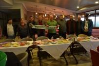 VOLEYBOL TAKIMI - Mutlu'dan, Çiçeklidedespor Voleybol Takımına Kahvaltı