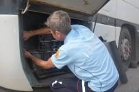 BILECIK MERKEZ - Otobüs Şasesine Sıkışan Yavru Kedi İtfaiye Ekiplerince Kurtarıldı