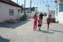 ALT YAPI ÇALIŞMASI - Roman Vatandaşların Yaşadığı Mahalleye 15 Bin Metrekare Kilit Taş