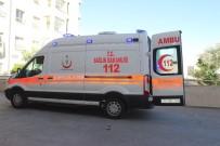CEHENNEM DERESİ - Siverek'te Rehabilitasyon Merkezinin Servisi Kaza Yaptı Açıklaması 1'İ Ağır 4 Yaralı