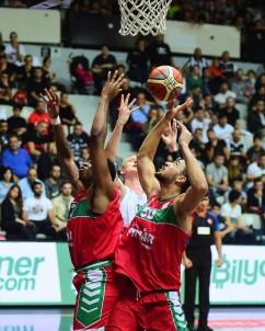 Tahincioğlu Basketbol Süper Ligi Açıklaması Beşiktaş Sompo Japan Açıklaması 61 - Pınar Karşıyaka Açıklaması 57