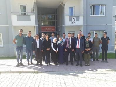'Üniversiteler Bacasız Fabrika Gibi'
