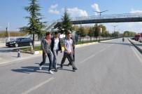 ESNAF ODASı BAŞKANı - Üst Geçit Var, Geçen Yok