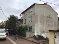 FARABI - Çatıdan Düşen 1 Kişi Öldü, 1 Kişi Yaralandı